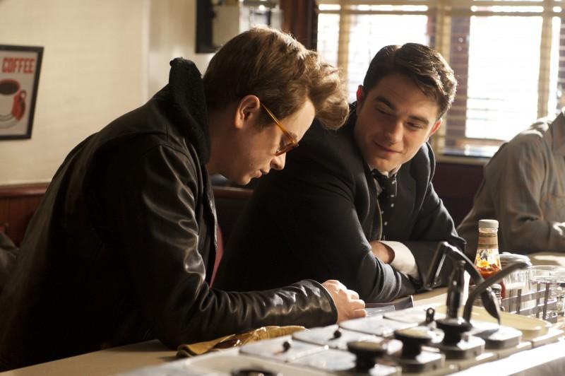 Robert-Pattinson-Dane-DeHaan-Life-Movie-Pictures-002