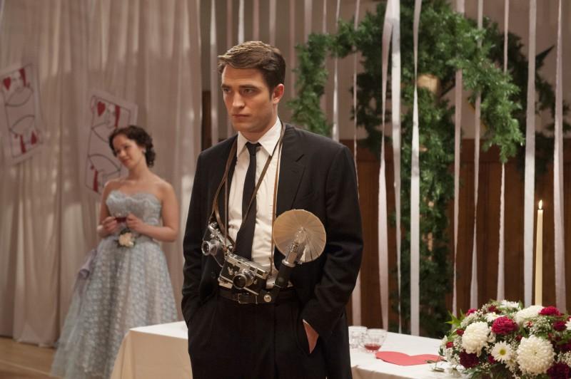 Robert-Pattinson-Dane-DeHaan-Life-Movie-Pictures-005