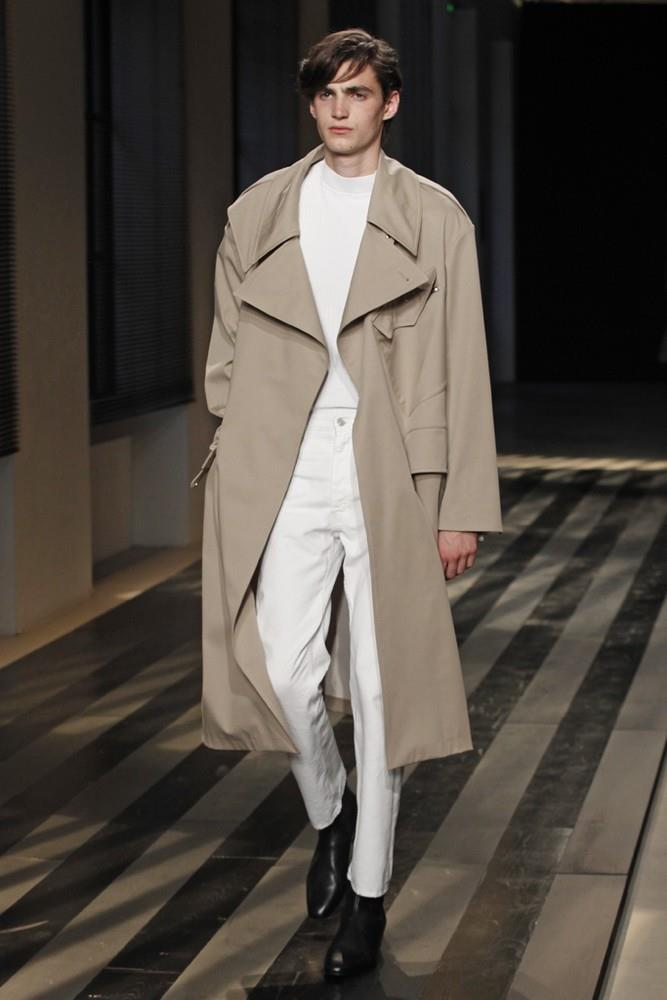 Sandro Does Chic Casual for Spring/Summer 2016 Menswear Collection