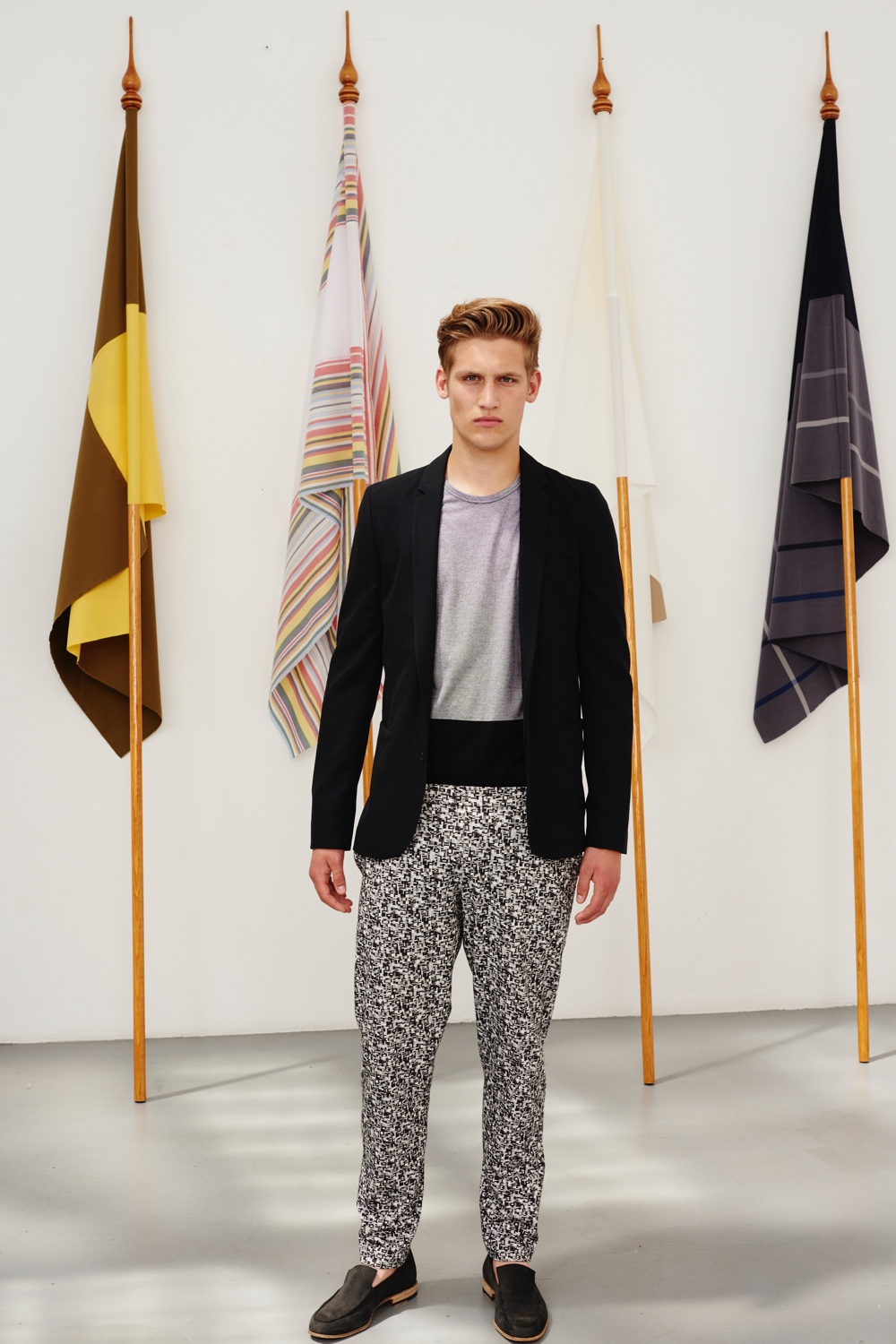 Stephan Schneider Embraces 'Flattering Flags' for Spring/Summer 2016 Menswear Collection