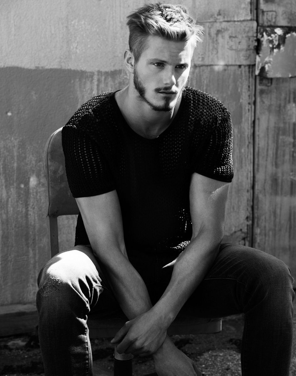 Alexander Ludwig Heads Outdoors for Flaunt Photo Shoot ...