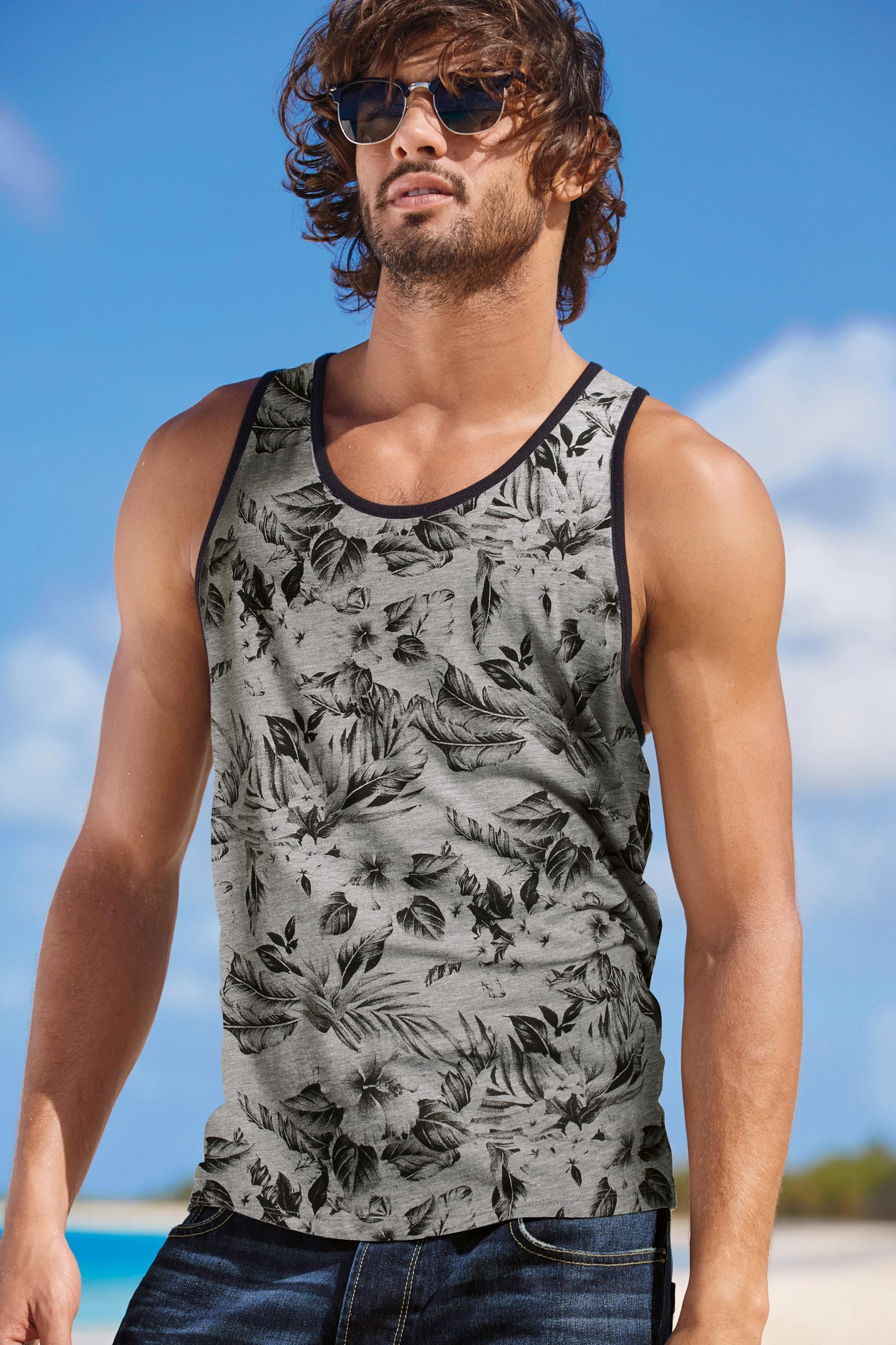 Marlon Teixeira Rocks Next Summer Beach Style