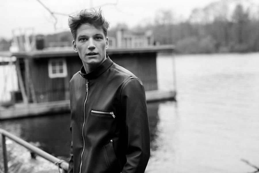 Stutterheim Raincoats Fall Winter 2015 Florian Van Bael 001