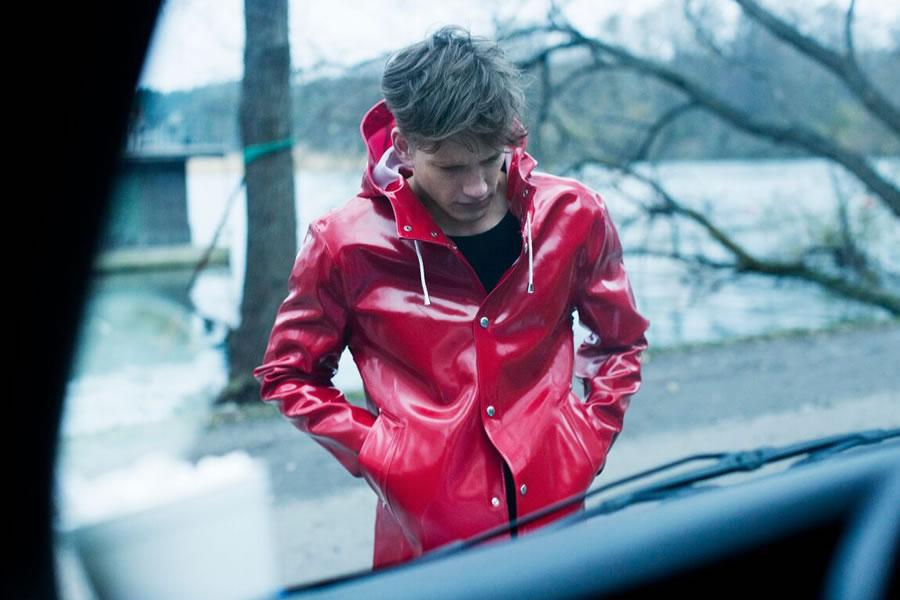 Stutterheim Raincoats Fall Winter 2015 Florian Van Bael 003