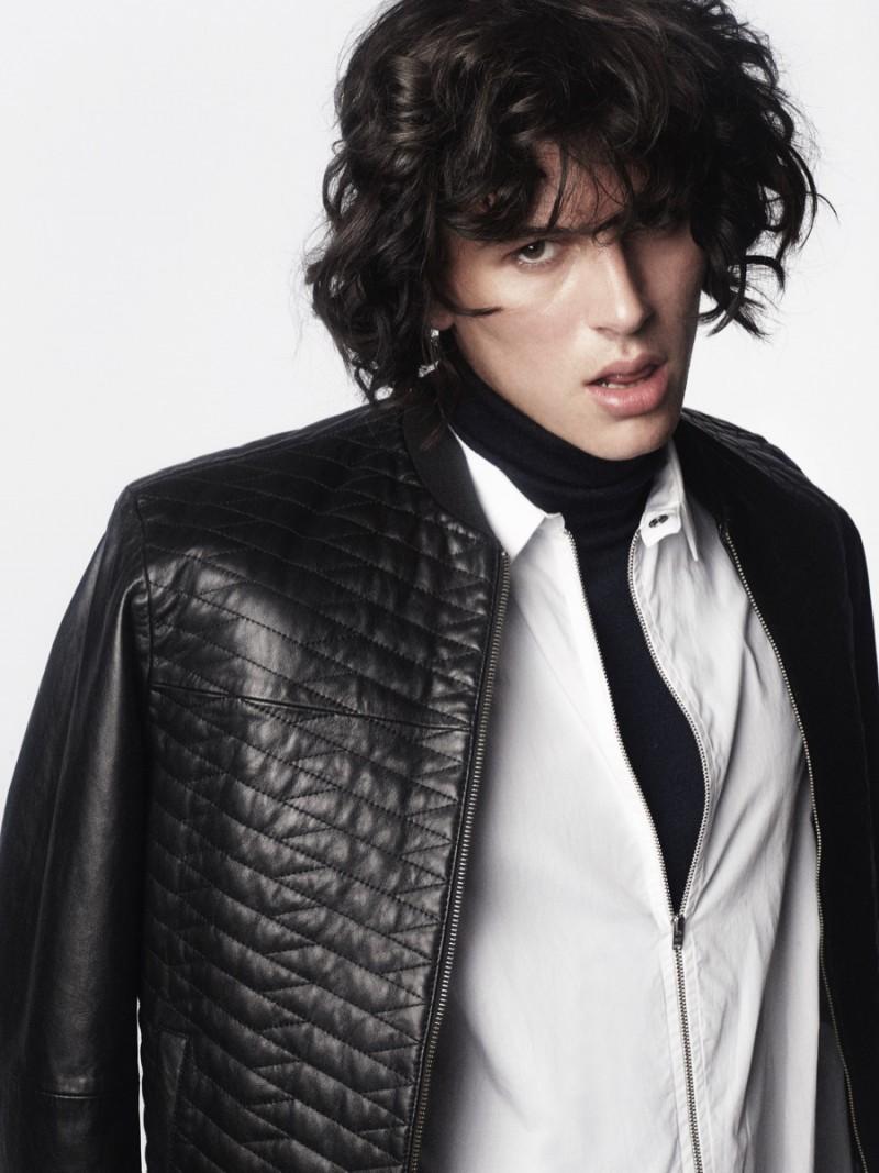 Joseph wears shirt WhyRed, turtleneck Hugo Boss and jacket Calvin Klein.