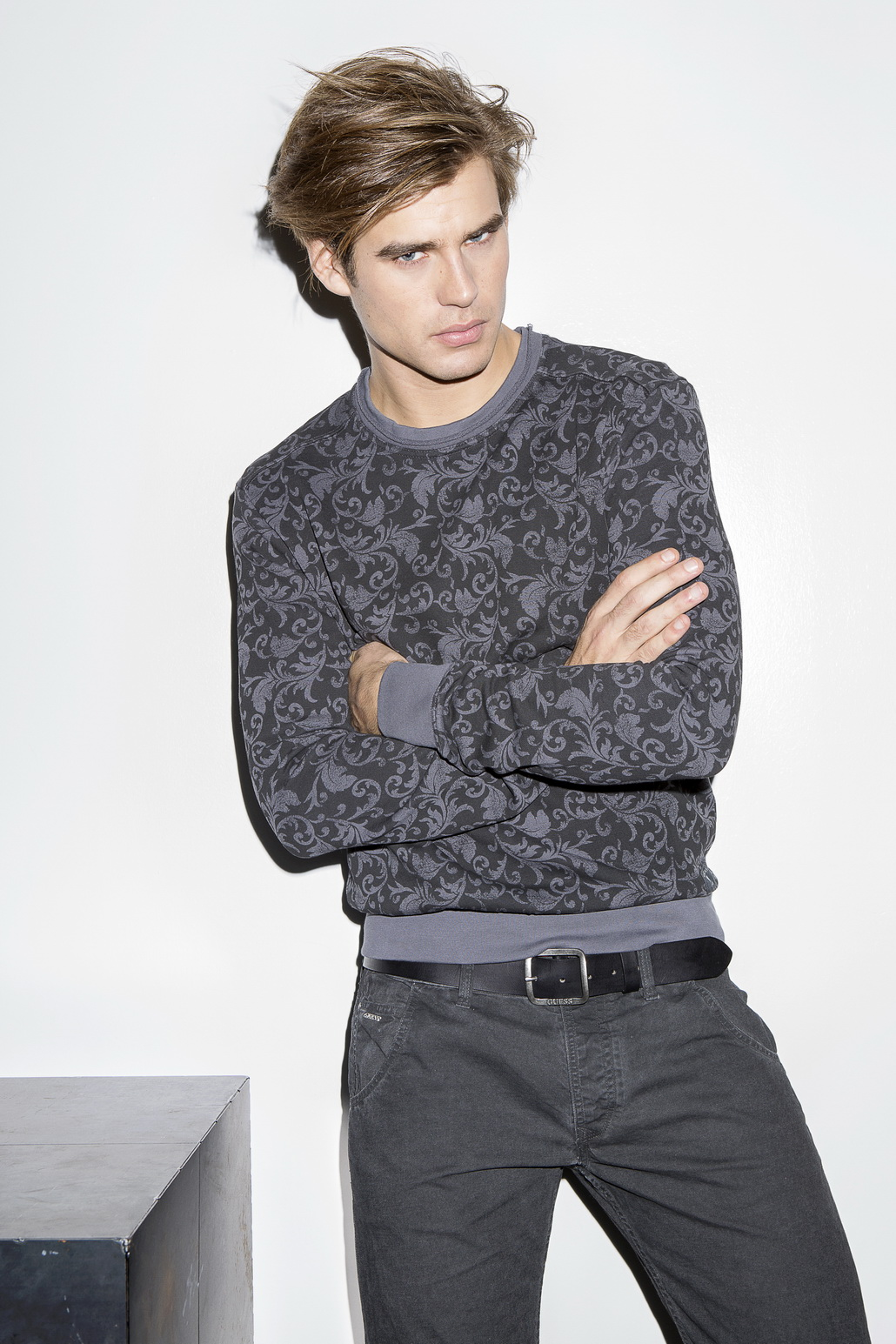 GUESS Embraces Fitted Styles for Fall