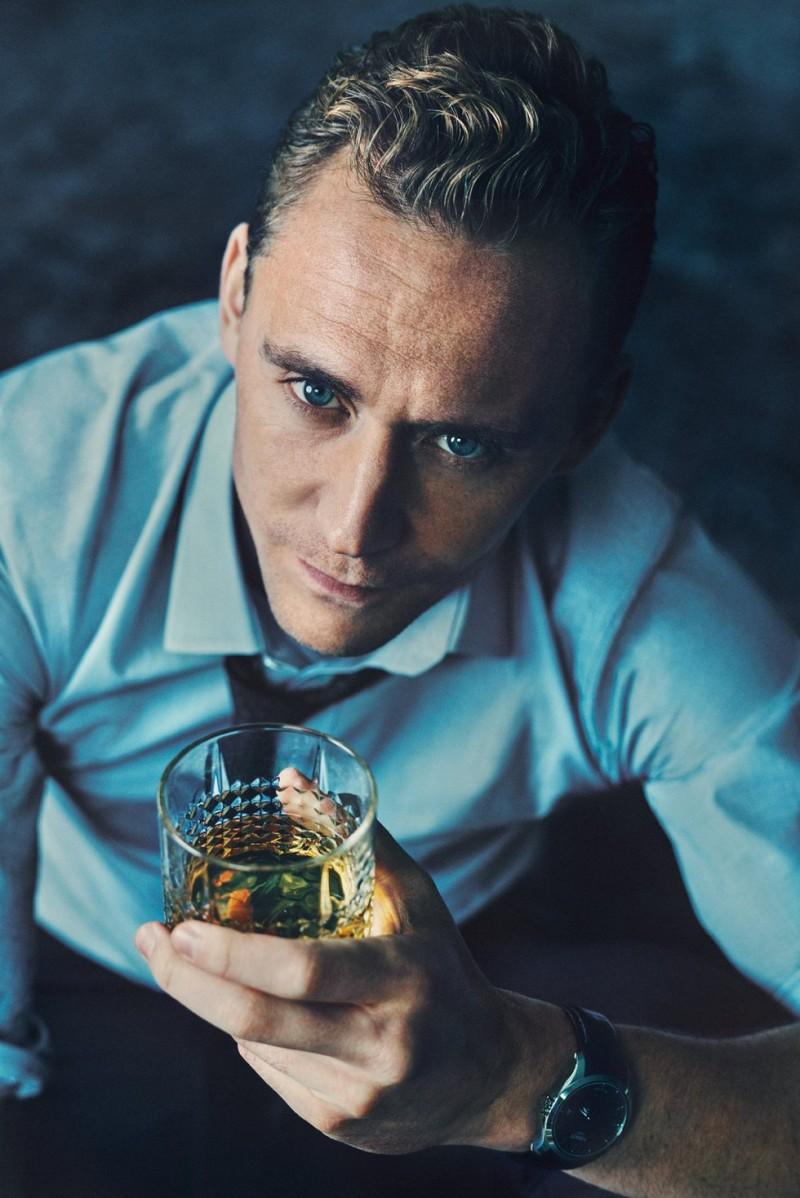 Tom-Hiddleston-ShortList-2015-Cover-Photo-Shoot-004