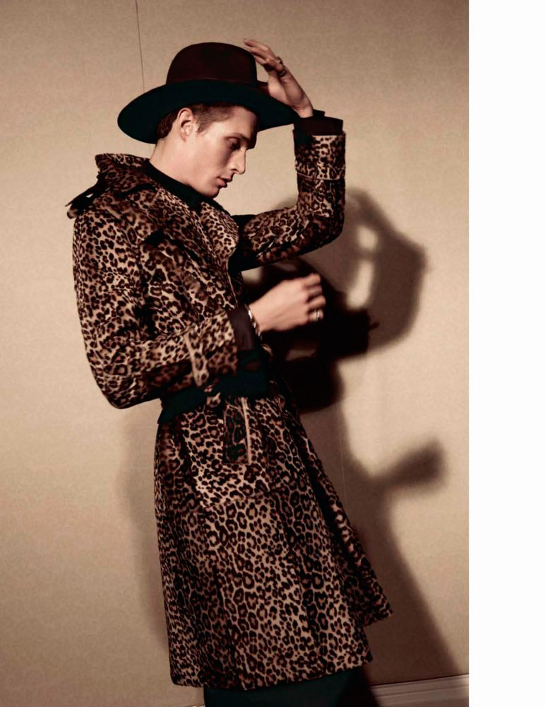 Vogue-Hommes-Fall-2015-Cover-Editorial-006