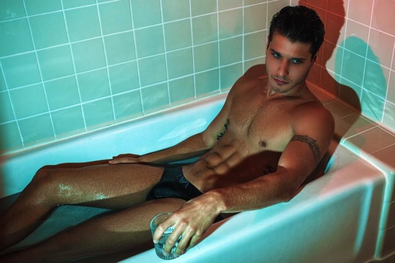 Cody Calafiore wears underwear Emporio Armani.