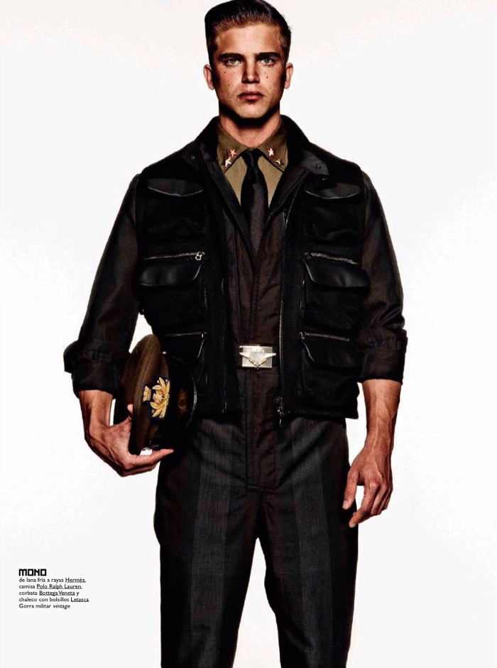 GQ-Espana-2015-Military-Style-Editorial-009