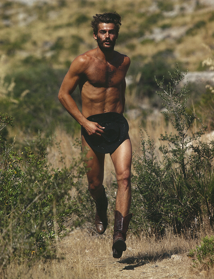 Seventh Man: Jacey Elthalion is a 'Naked Cowboy'