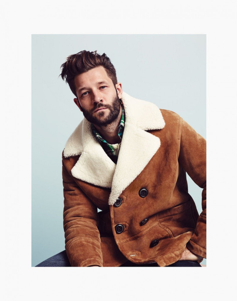 GQ France's Style Manuel highlights the season's shearling trend with a great peacoat.
