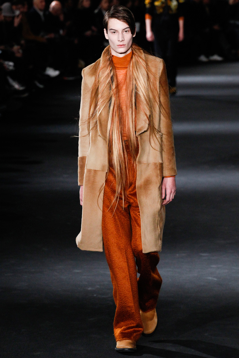 Ann Demeulemeester Goes Avant-Garde for Fall Collection