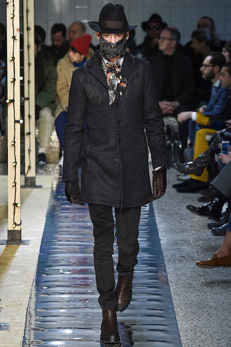 Antonio Marras presents a dark edge as he reinterprets cowboy style for fall-winter 2016.