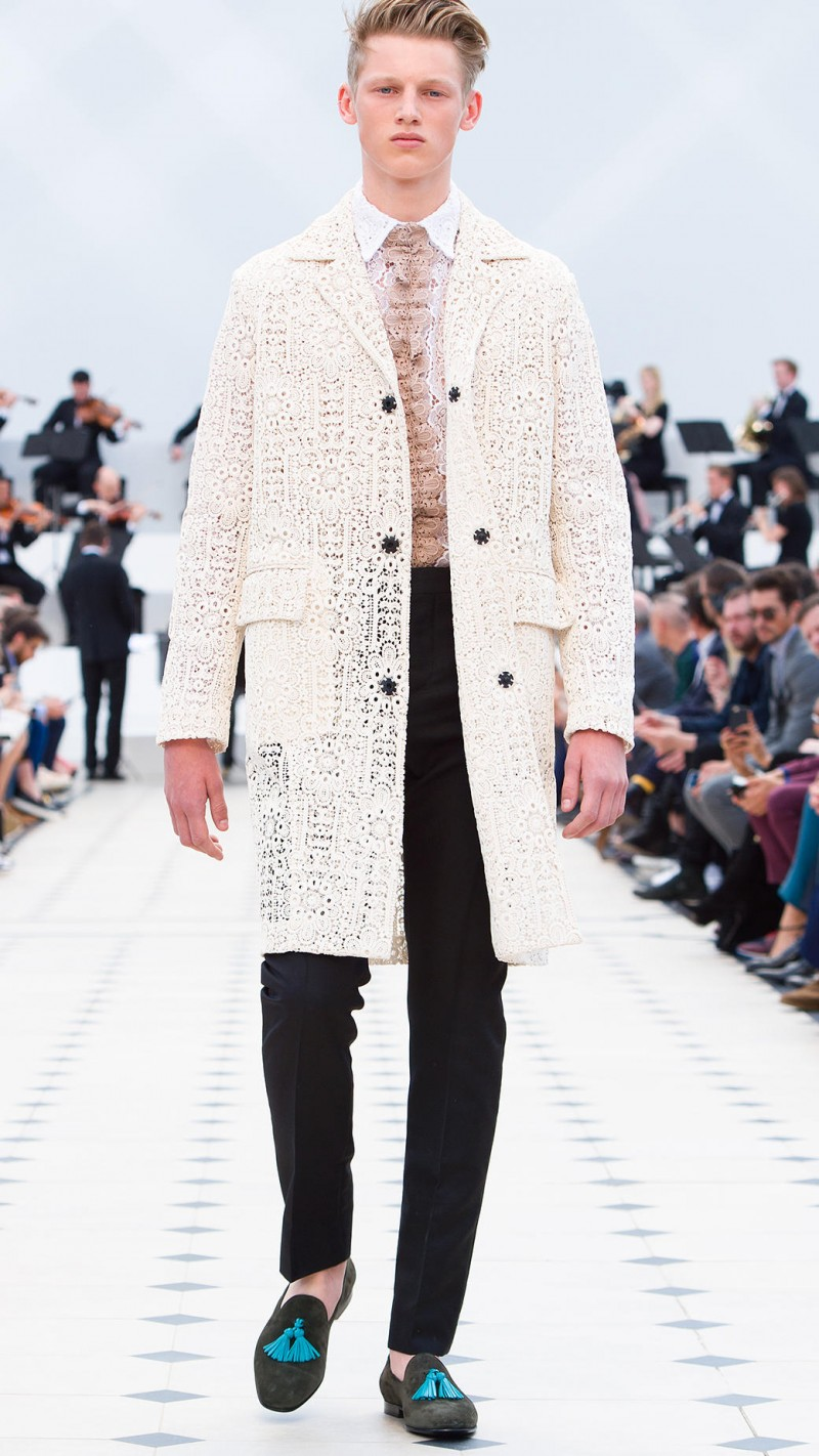 Burberry embraces lace for its spring-summer 2016 men's collection.