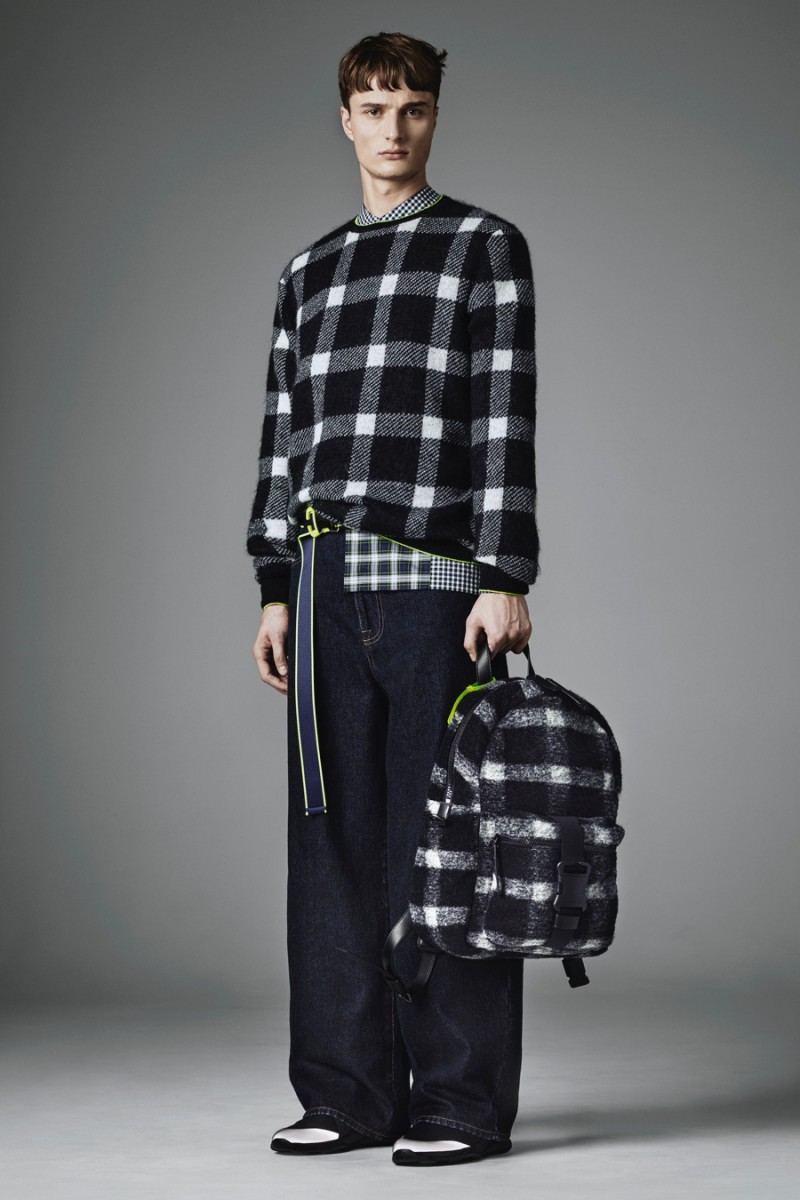Christopher-Kane-2016-Fall-Winter-Mens-Collection-Look-Book-004