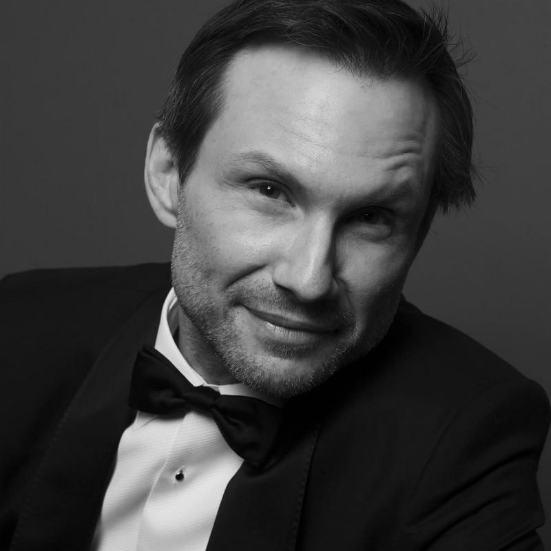 Christian Slater photographed by Inez & Vinoodh.
