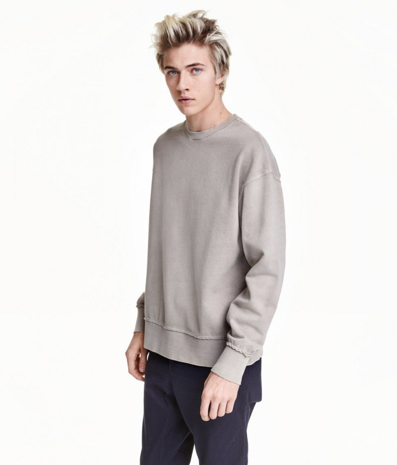 Lucky Blue Smith Connects with H&M, Talks Hair, Girls ...