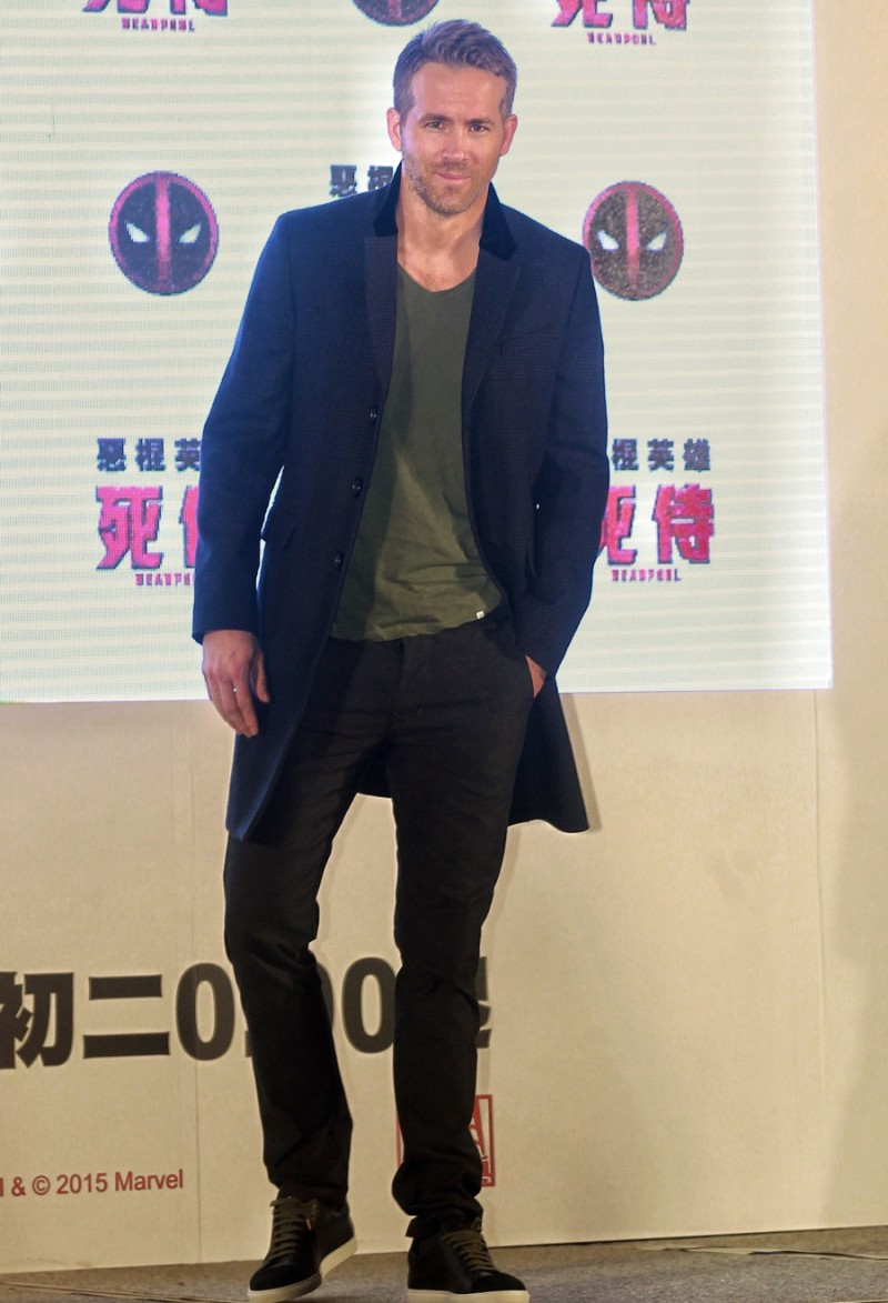 Visiting Taipei, Taiwan on January 22, 2016, Ryan Reynolds touched down to promote Deadpool. The Canadian actor wore J Brand jeans with a casual t-shirt and a sharp coat from Burberry.