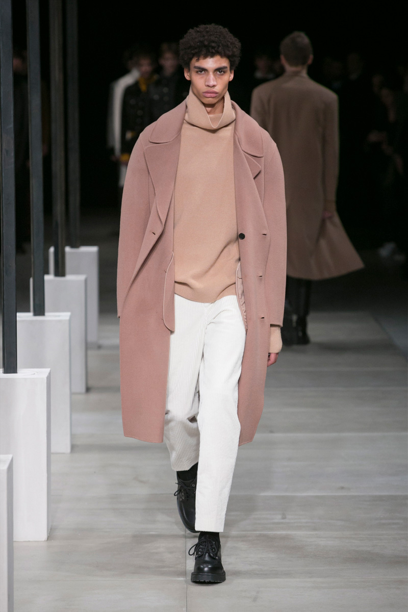 Sandro Looks to 1980s Berlin for Minimal Fall Collection