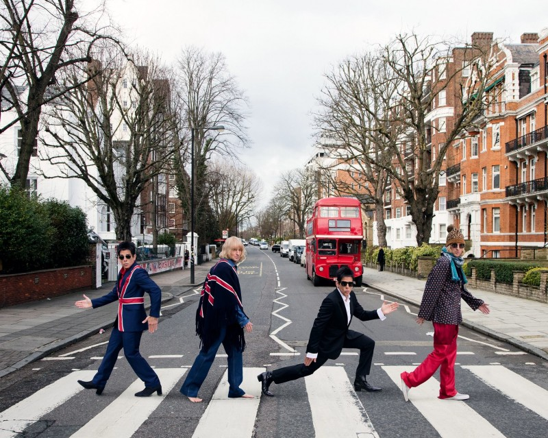 Derek Zoolander and Hansel recreate The Beatles' iconic Abbey Road picture.