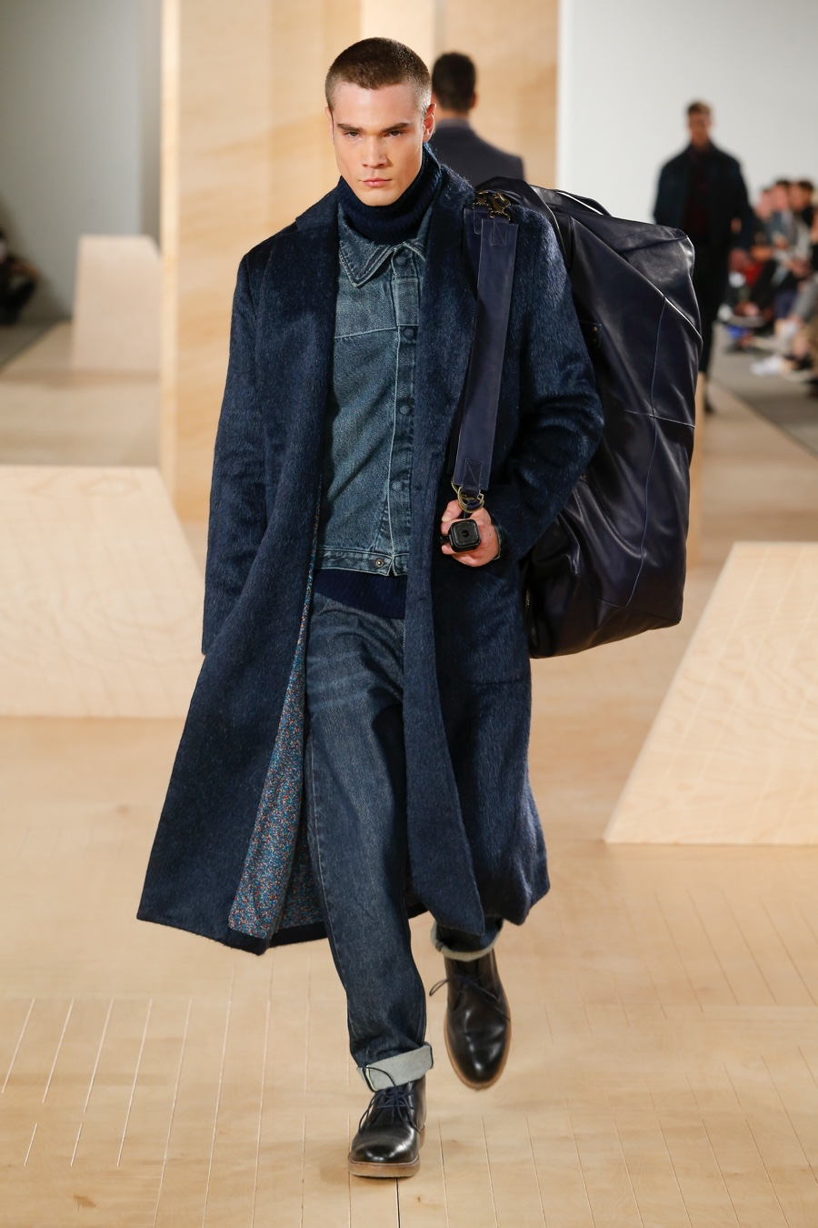 Perry Ellis Inspired by Landscapes, Revisits Classics for Fall Collection