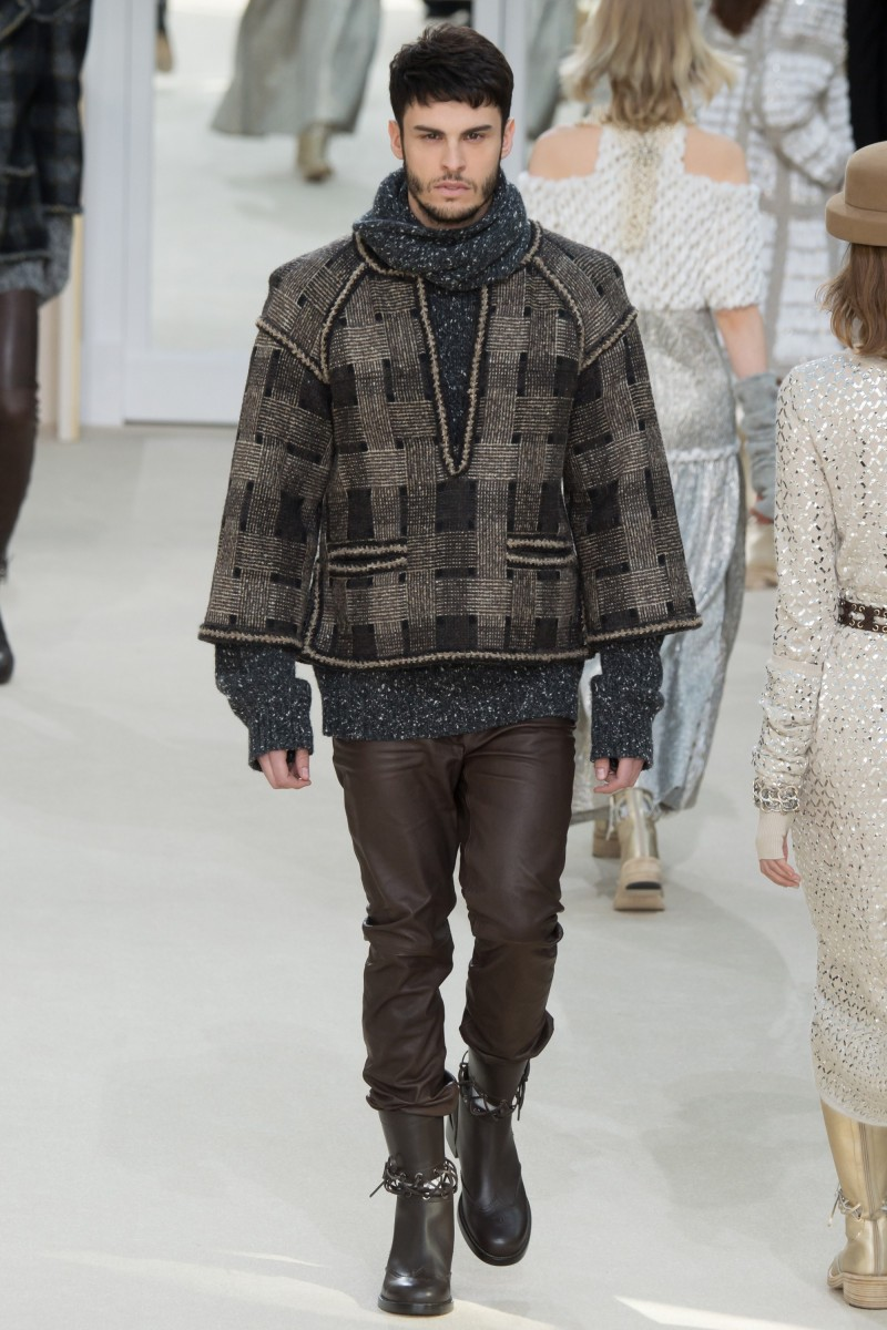 Baptiste Giabiconi is chic in Chanel as he walks the runway for Karl Lagerfeld's fall-winter 2016 show for the brand.