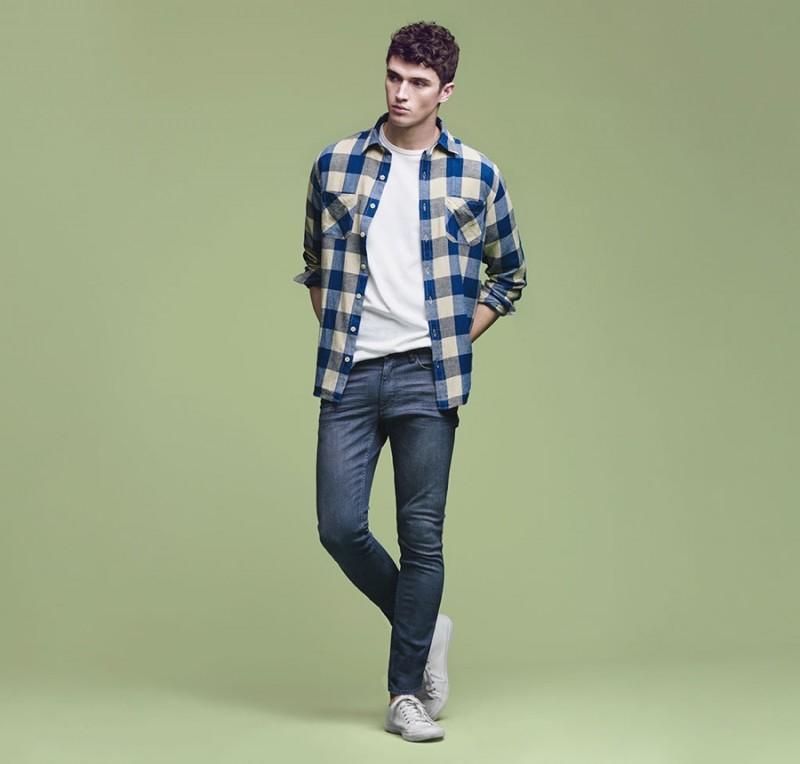 db19da5ff96 Mango Denim Guide: Matthew Holt Models Latest Fits | The Fashionisto
