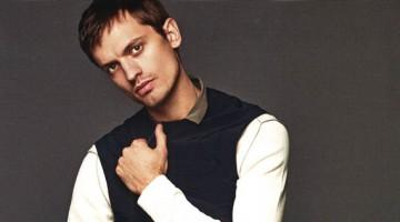 GQ España: Eddie Klint Models Modern Basics