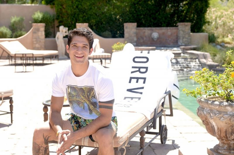 Tyler Posey embraces casual style in a Forever 21 Aesthetic Palm Graphic Tee