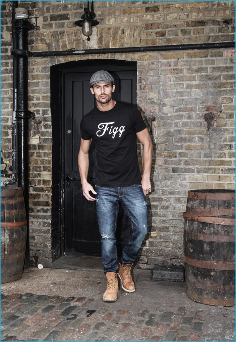 Jacey Elthalion sports British Vintage Boxing's Figg t-shirt, which pays tribute to English boxing champion James Figg.