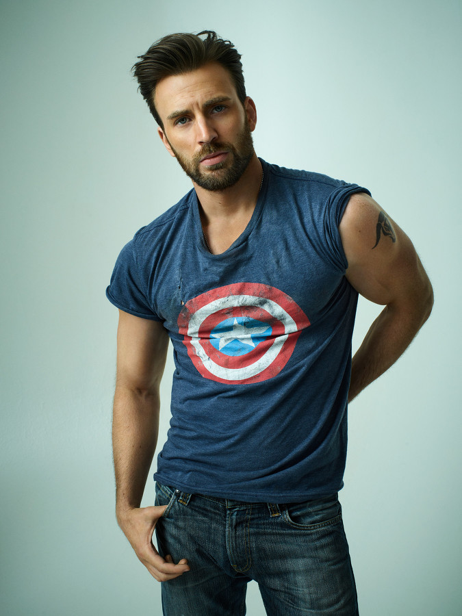 half off 15be5 55118 Chris Evans Promotes Captain America, Poses for Rolling ...