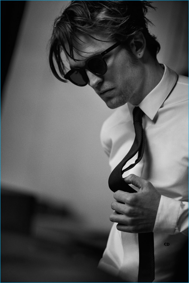 debaa1de4c2a0 Robert Pattinson Stars in Moody Dior Shoot
