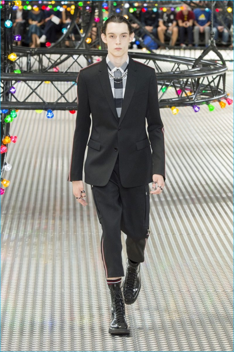 Homme dior spring runway forecasting dress in spring in 2019