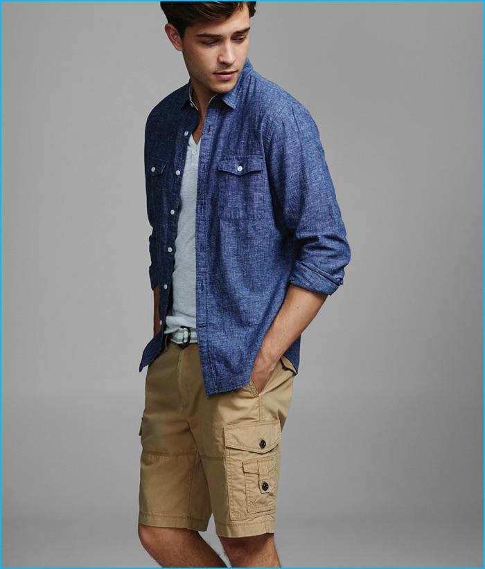 Francisco Lachowski wears Express Men's Cargo Shorts.