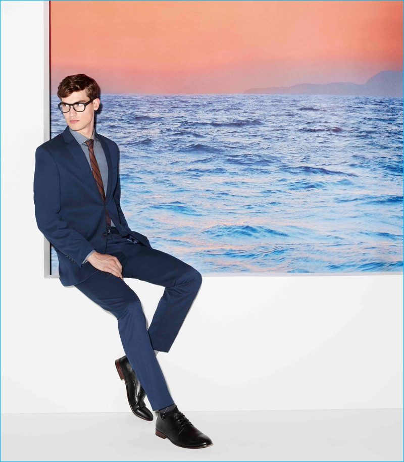 Jason Anthony suits up for Perry Ellis' fall-winter 2016 campaign.