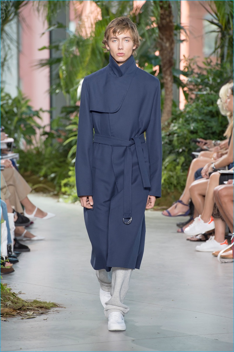 Lacoste turns out long relaxed coats with minimal details for spring-summer 2017.
