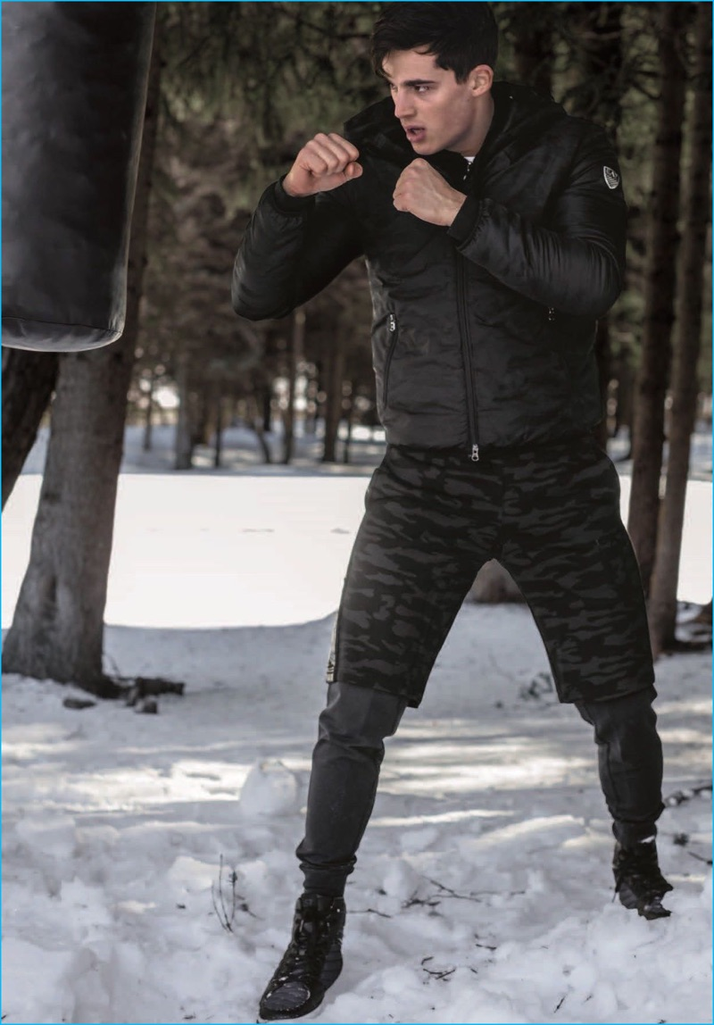 Clad in EA7, Pietro Boselli enjoys a winter workout, getting in a couple of punches.