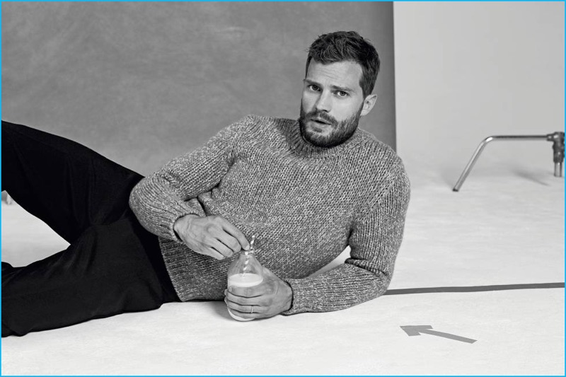 Jamie Dornan dons a Tod's sweater and Salvatore Ferragamo trousers for Icon El País.