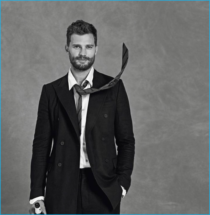 Actor Jamie Dornan sports a Bottega Veneta suit with a shirt and tie from Massimo Dutti for Icon El País.