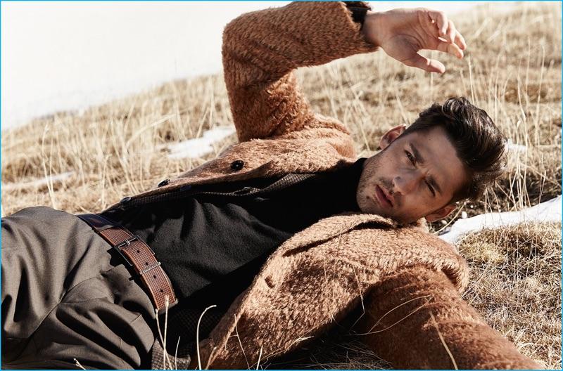 Model Carlos Ferra wears fall-winter 2016 fashions from Baldessarini.