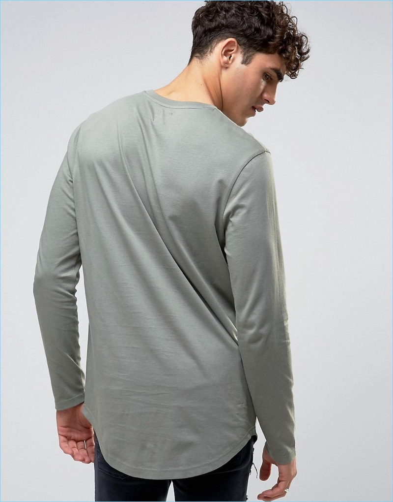 ASOS' super longline long-sleeve t-shirt features a curved hem that looks great with a pair of denim jeans.