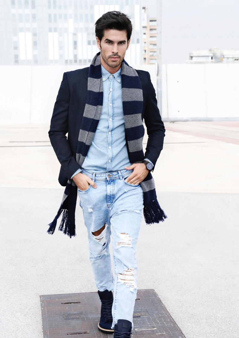 Raul wears coat Police, denim shirt and scarf GUESS, jeans and boots G-Star Raw.