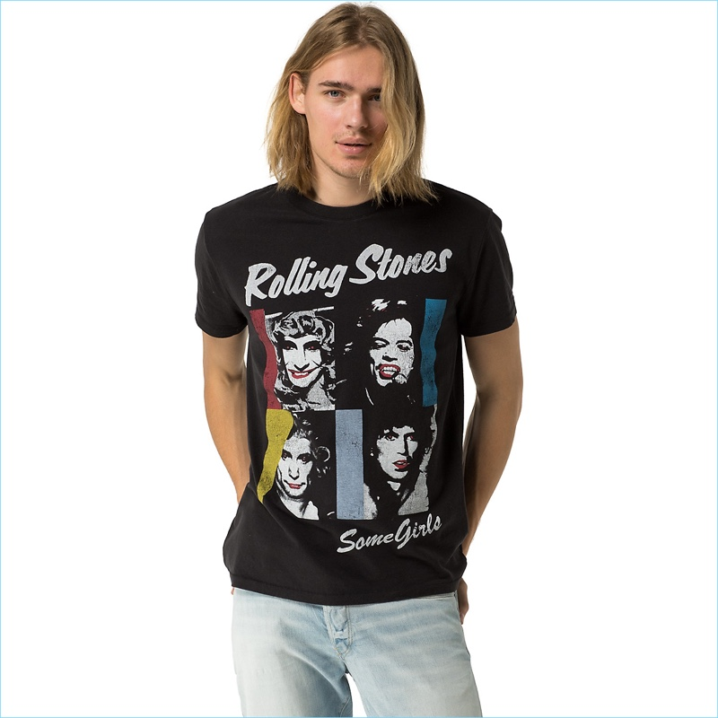 Tommy Hilfiger men's tee. Look like you're with the band in this authentic vintage tee. From the Rolling Stones collection, our rock 'n' roll capsule inspired by the legendary group.