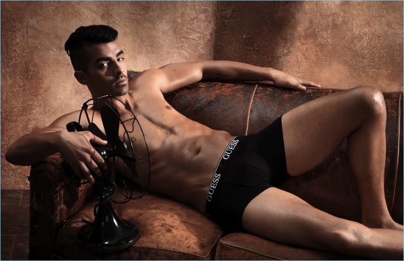 Campaign Shoot: Joe Jonas goes shirtless, posing for GUESS Underwear's spring-summer 2017 campaign.