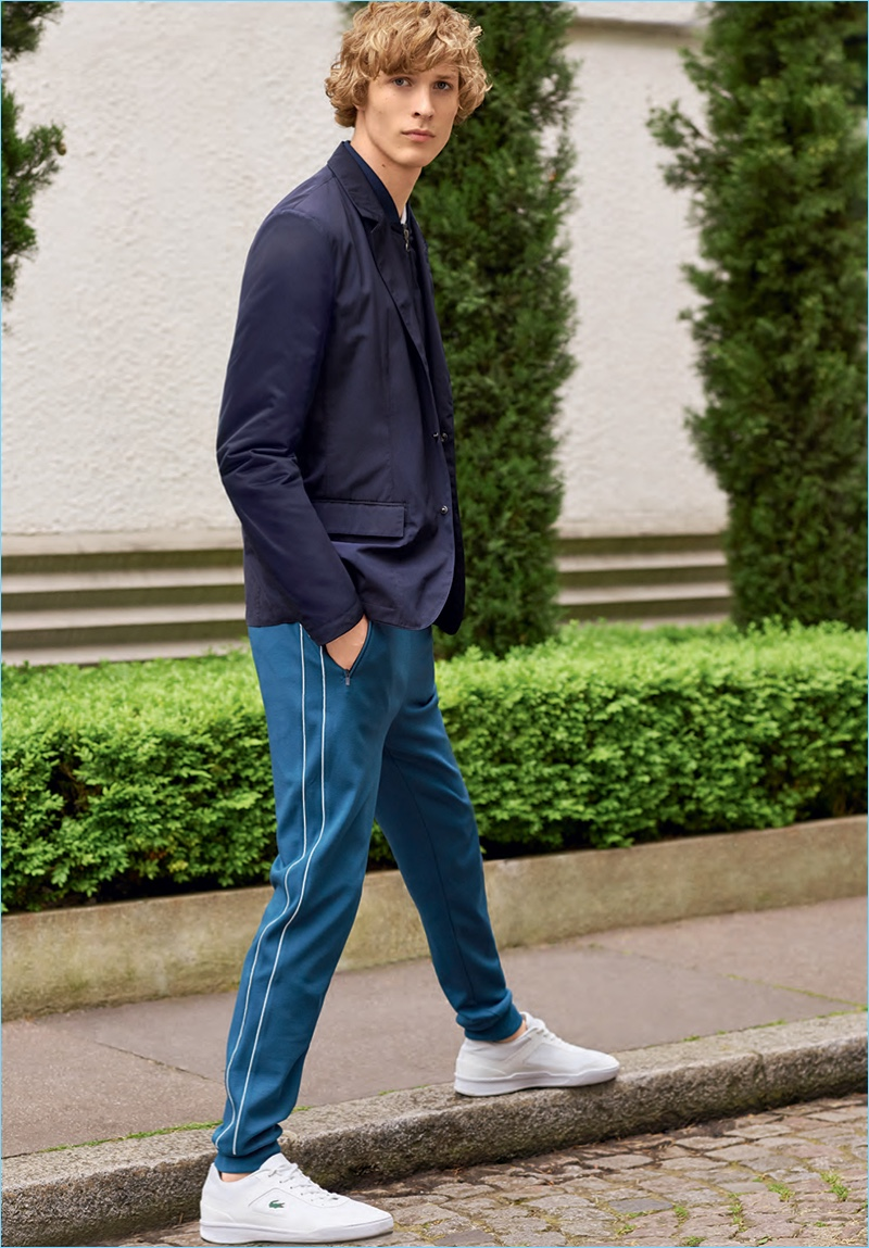 Sven de Vries sports a leisure look from Lacoste's spring-summer 2017 men's collection.