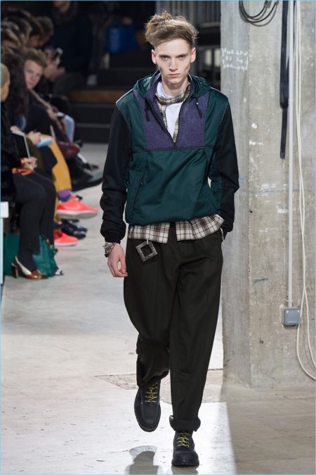 Lanvin Explores Varying Proportions for Fall '17 Collection