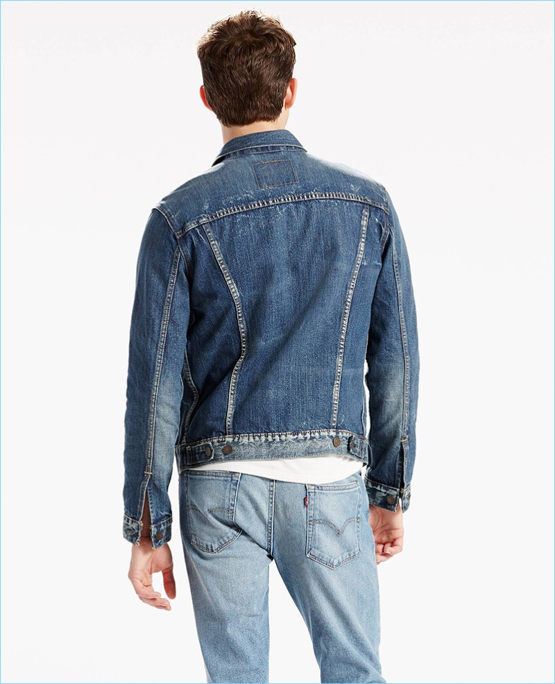 Levi's denim trucker jacket features side hem adjusters for the perfect fit.