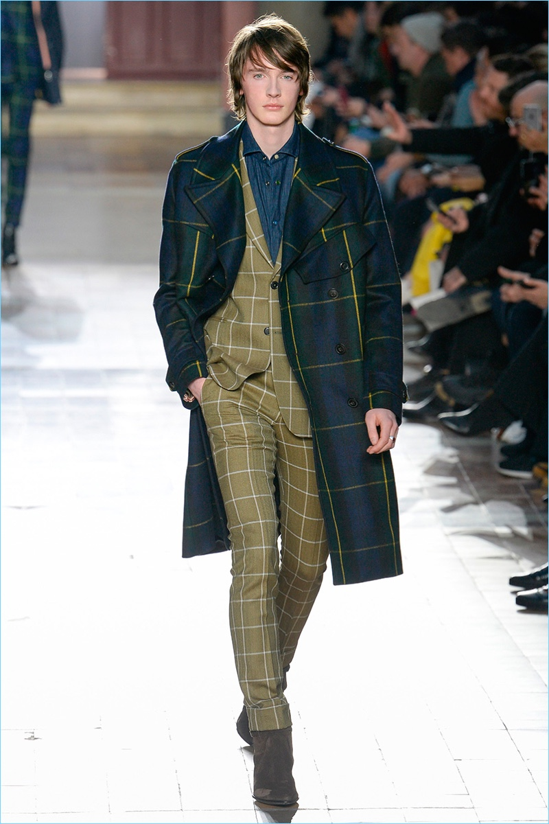 Paul Smith embraces tartan for fall-winter 2017 with statement coats.