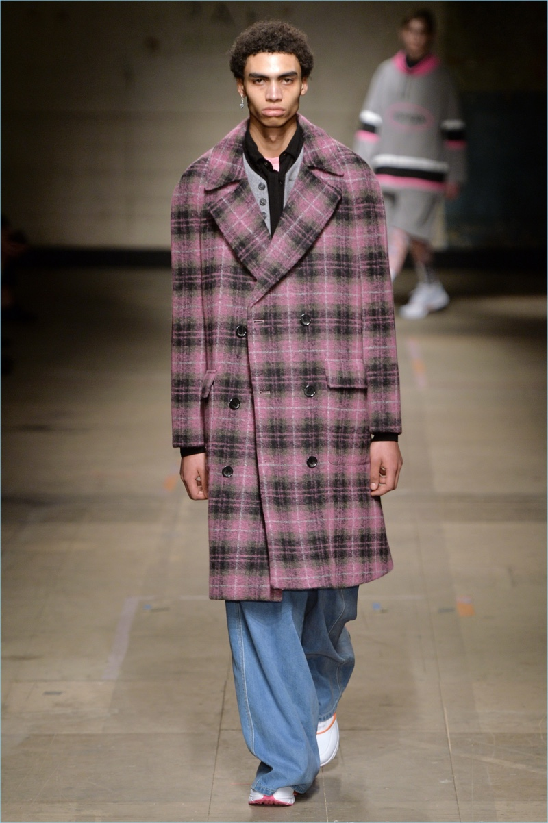 Plaid is front and center as Topman Design crafts a smart statement with a double-breasted coat for fall-winter 2017.